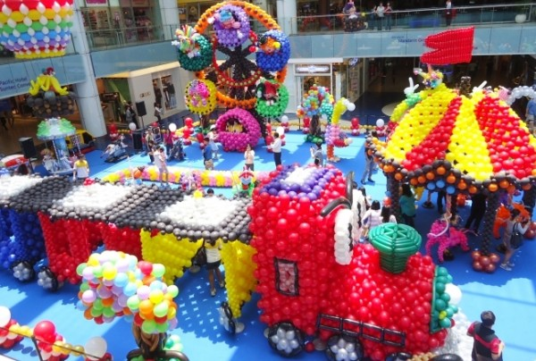 Largest Balloon Landscape 2013